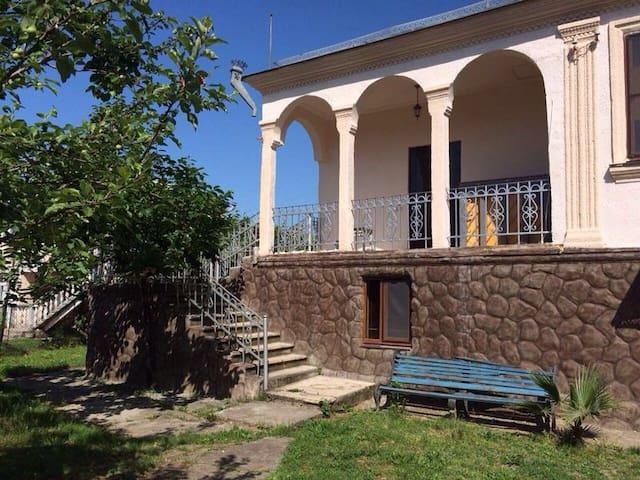 Прекрасный дом в Абхазии  - Гагра - Huis