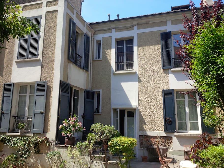 Maison de charme avec jardin maisons louer boulogne for Salon de jardin ile de france