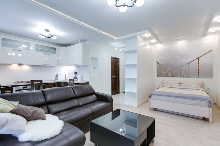 New stylish flat near Kievskaya - Moscow - Apartment