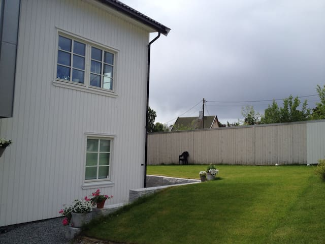 Modern house, quiet and centralo