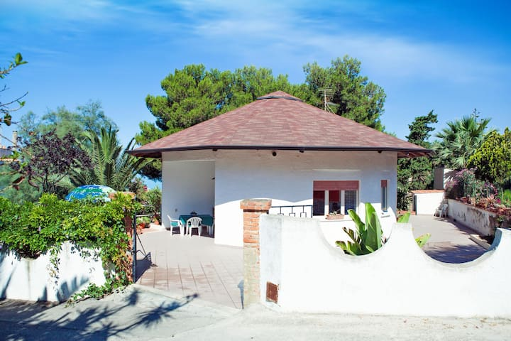 HOLIDAY HOUSE TORRE DI MANFRIA - Gela