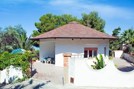 HOLIDAY HOUSE TORRE DI MANFRIA - Gela - Willa