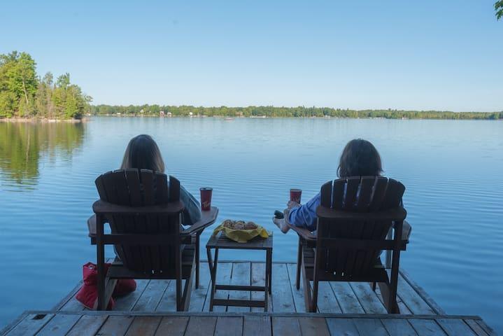 2-Bedroom Lakefront Cottage on Otty Lake - Perth - Srub