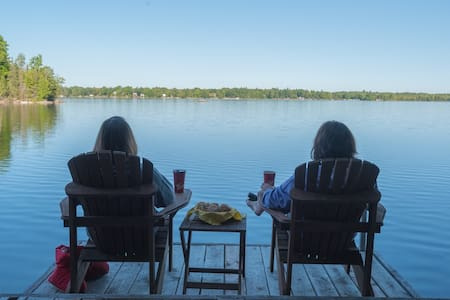 2-Bedroom Lakefront Cottage on Otty Lake - Perth - Cabin