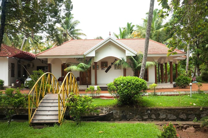 Kumarakom homestays Coconut creek