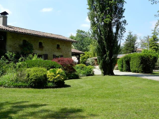 Maison typique de métayer landaise - Saint-Symphorien - Hus