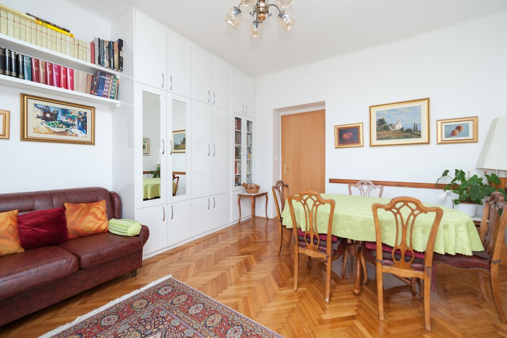 Living- and dining area