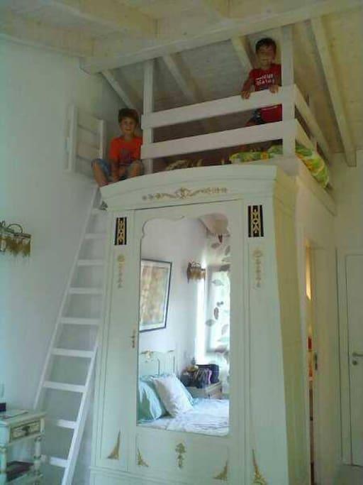 Beliche Alto, onde se poderão alojar até duas crianças dos 4 aos 12 anos.