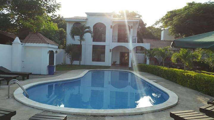 Casa en Playas del Coco
