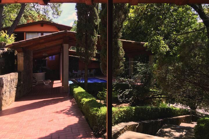 Habitación en Grande y Bella Casa Colonial