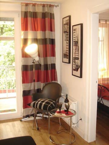 Ruhiges Apartment mit Balkon direkt in Innenstadt