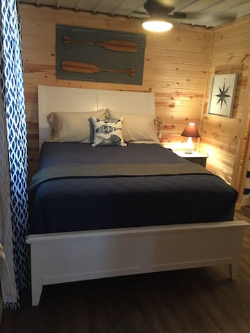 Sail Away Cabin-discounted weekly price $379