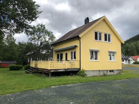 Hus i Høydalsmo ,sentralt i Vest- Telemark