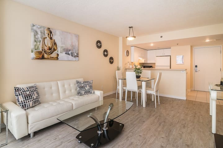 Natural Zen 1BR~ Downtown Montreal!