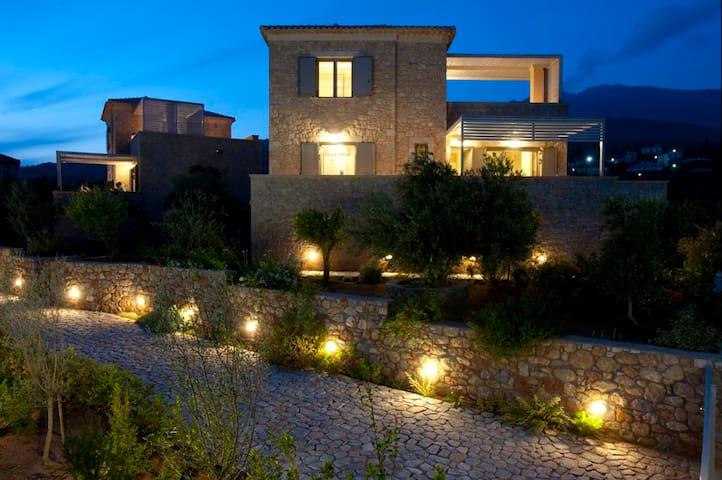Luxurious Villa Laas - Pool & Bbq