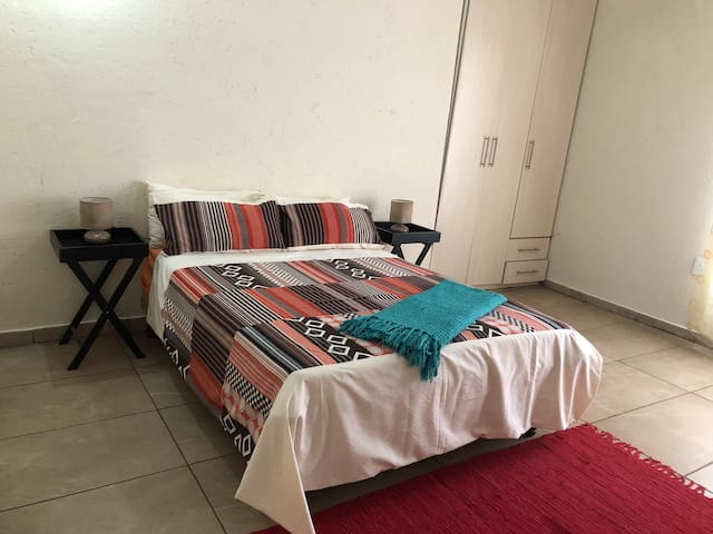 Room with Private Bathroom - Mafikeng