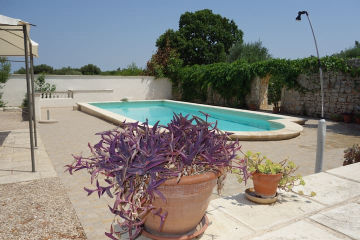 Villa Maresca, Pool, Sleeps 8, close to Beaches - Carovigno - Appartement