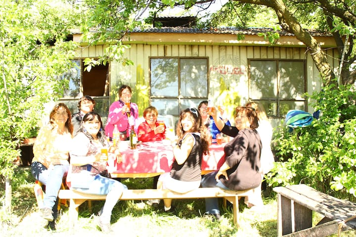 Truqueras Backpacker Hostels Patagonia - Coyhaique - Bed & Breakfast