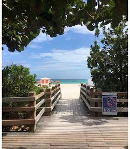 Budget, Clean,Self-service, Walk 2 Beach in 2 Min