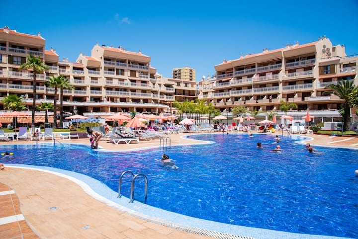 2 Bedrooms Apartment with pool in Los Cristianos
