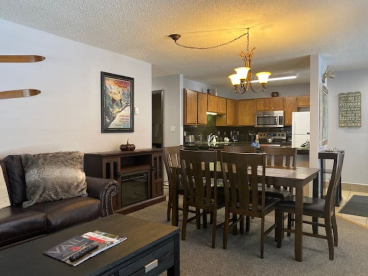 Beaver Creek West Condo / walking distance gondola