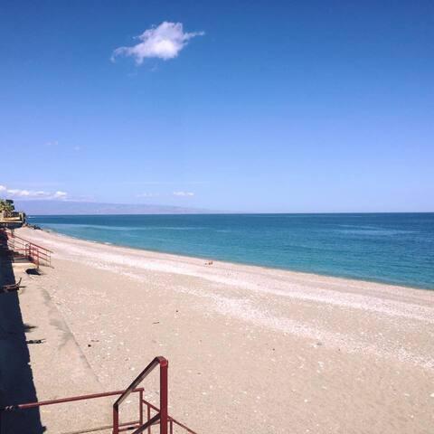 Appartamento vista mare vicino la spiaggia - Letojanni - Pis