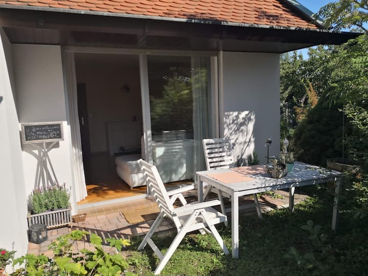 Charming B&B apartment & free pick-up from Airport