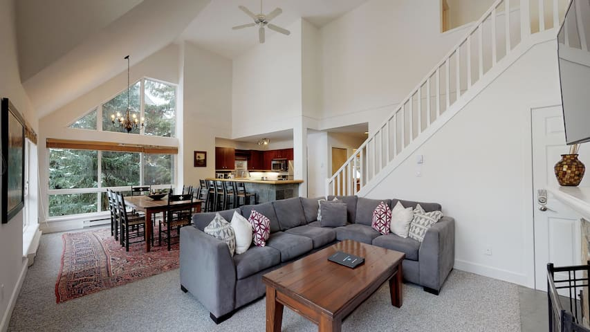 FREE ACTIVITIES - Charming Chalet w/ Fairway Views by Harmony Whistler