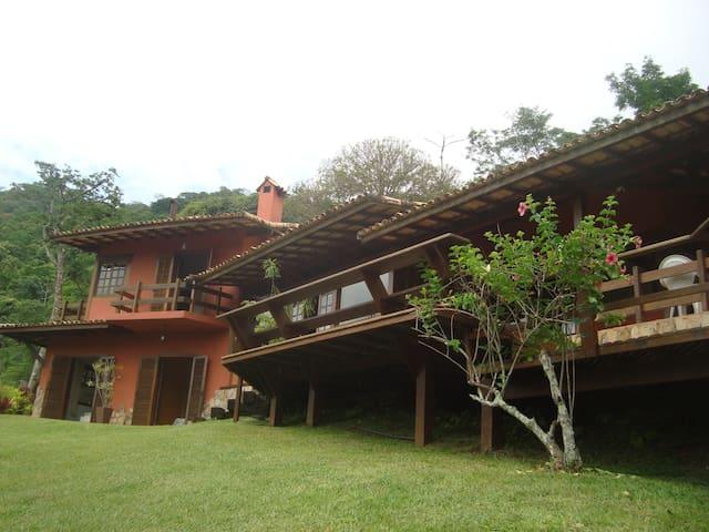 Aconchegante e confortável casa em Itaipava