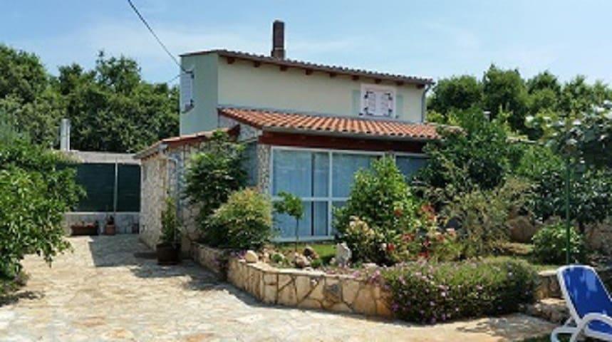 House Vugrinec - Šišan - บ้าน