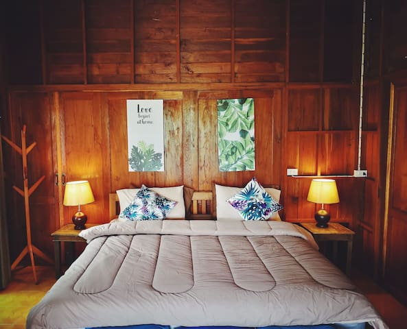 [ManaoHouse]Mountain View Teak Wood Room
