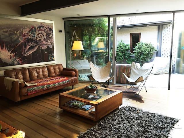 Amazing family house, best location Vitacura - Vitacura - House