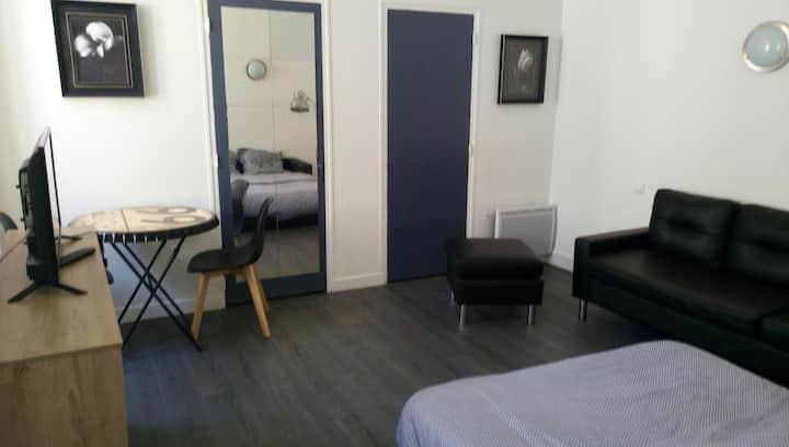 Studio centre historique de Saintes vrai lit