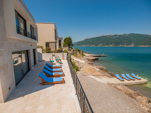 Villa Krasici, Luxury Beachfront - Krašići - Villa