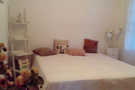 Chambre+sbd+cuisine grand appartement 50mplage - Leucate - Lejlighed