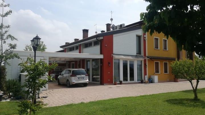 Casa di campagna tra i colli Berici ed Euganei.