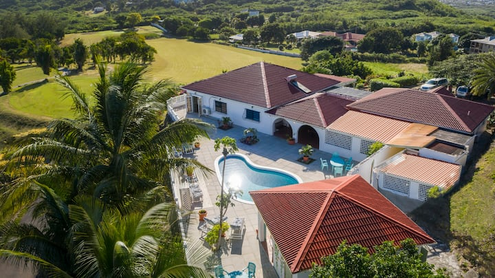 Wild Orchid Home. Panoramic Views & Sea Breezes