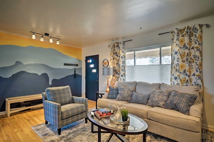 Central C. Springs Home w/ Golf Course + Mtn Views
