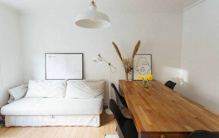 Cozy bright apartment in a nice are of Valby