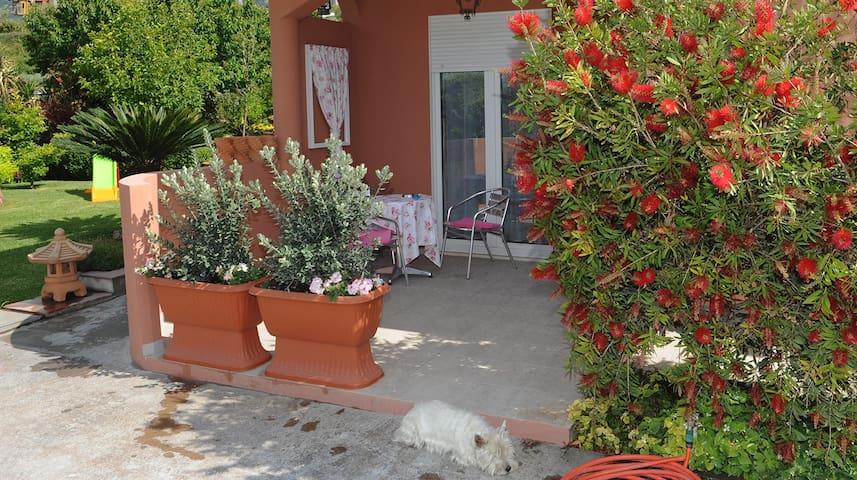 Small House in Kastela, near Split / ***