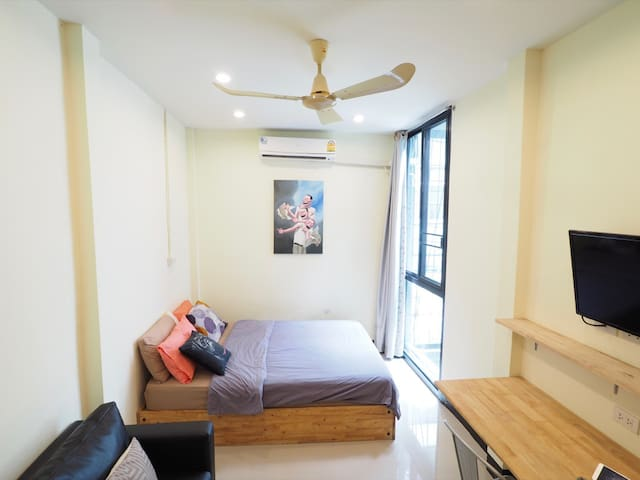 Studio by temple in BKK city-wifi - Bangkok - Flat