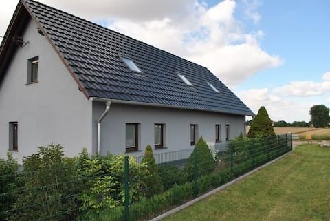 Dom z pełnym komfortem dla 4-8 os. w środkowych Niemczech