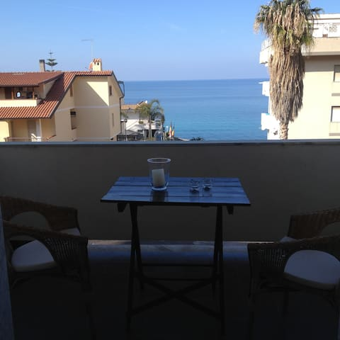 Tropea sea view apartment 5 min. walk from beaches - Tropea - อพาร์ทเมนท์