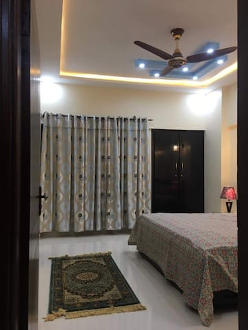 FURNISHED ROOM / APARTMENT