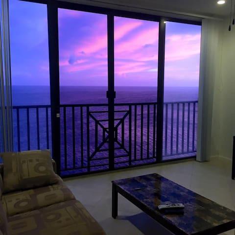 Vista Villas Cliff Side condo