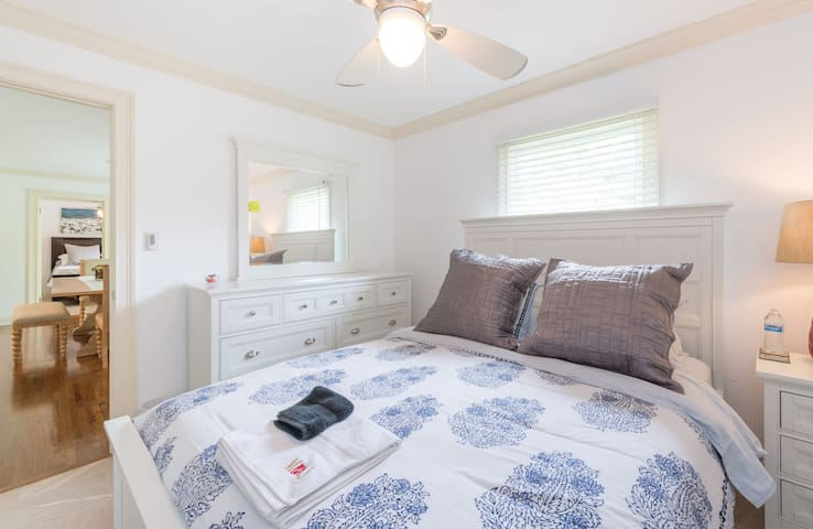 #5 LIVE LIKE LOCAL IN WINTER PARK PRIVATE BEDROOM - Winter Park - House