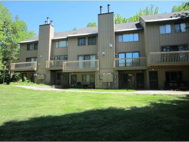 Beautiful Fully Furnished Townhome - Waterville Valley