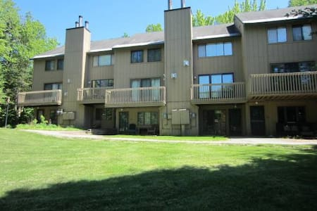Beautiful Fully Furnished Townhome - Waterville Valley - Rekkehus