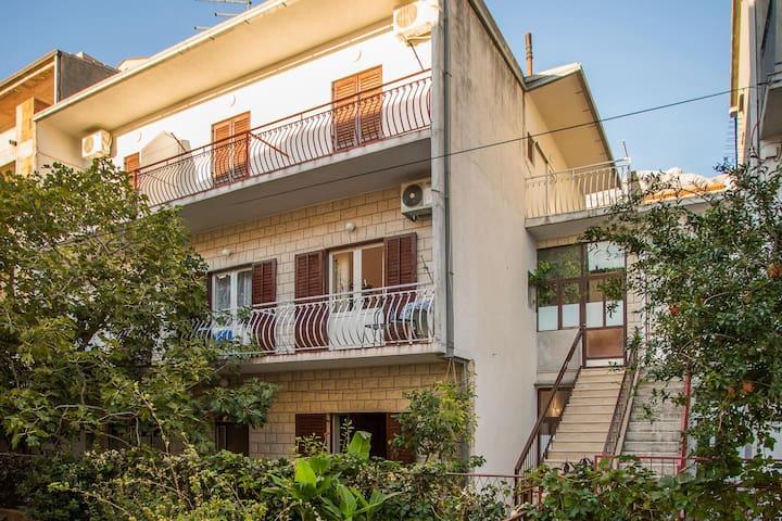 Apartments Nuic / Studio apartment A2