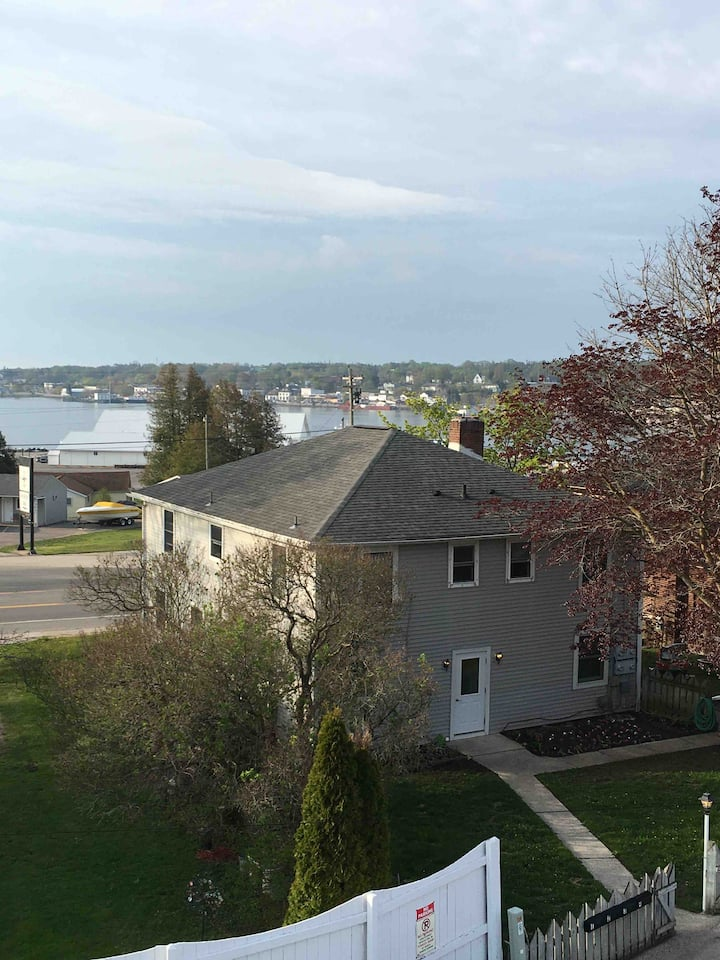 Walking distance to downtown and boat docks.
